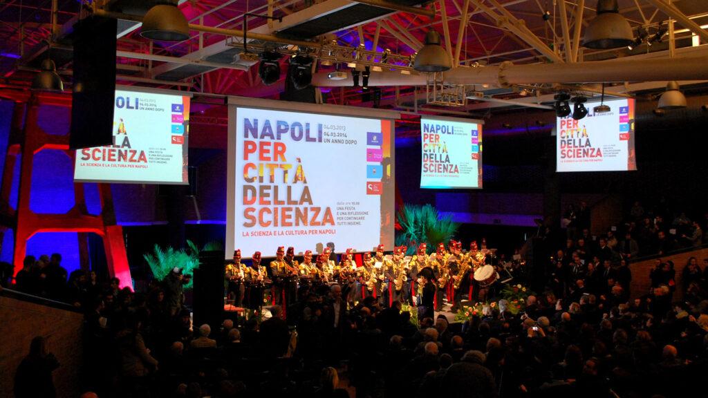 Napoli per Città della Scienza un anno dopo.