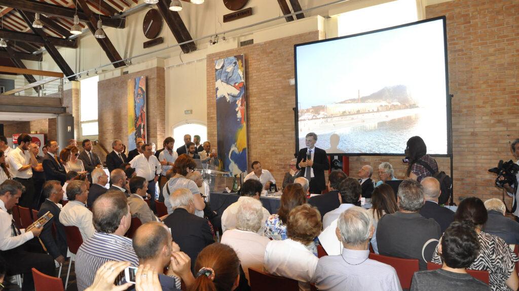 Presentazione progetto vincitore del bando di Concorso  per la ricostruzione del nuovo Science Centre – alla presenza del Ministro Graziano Delrio.